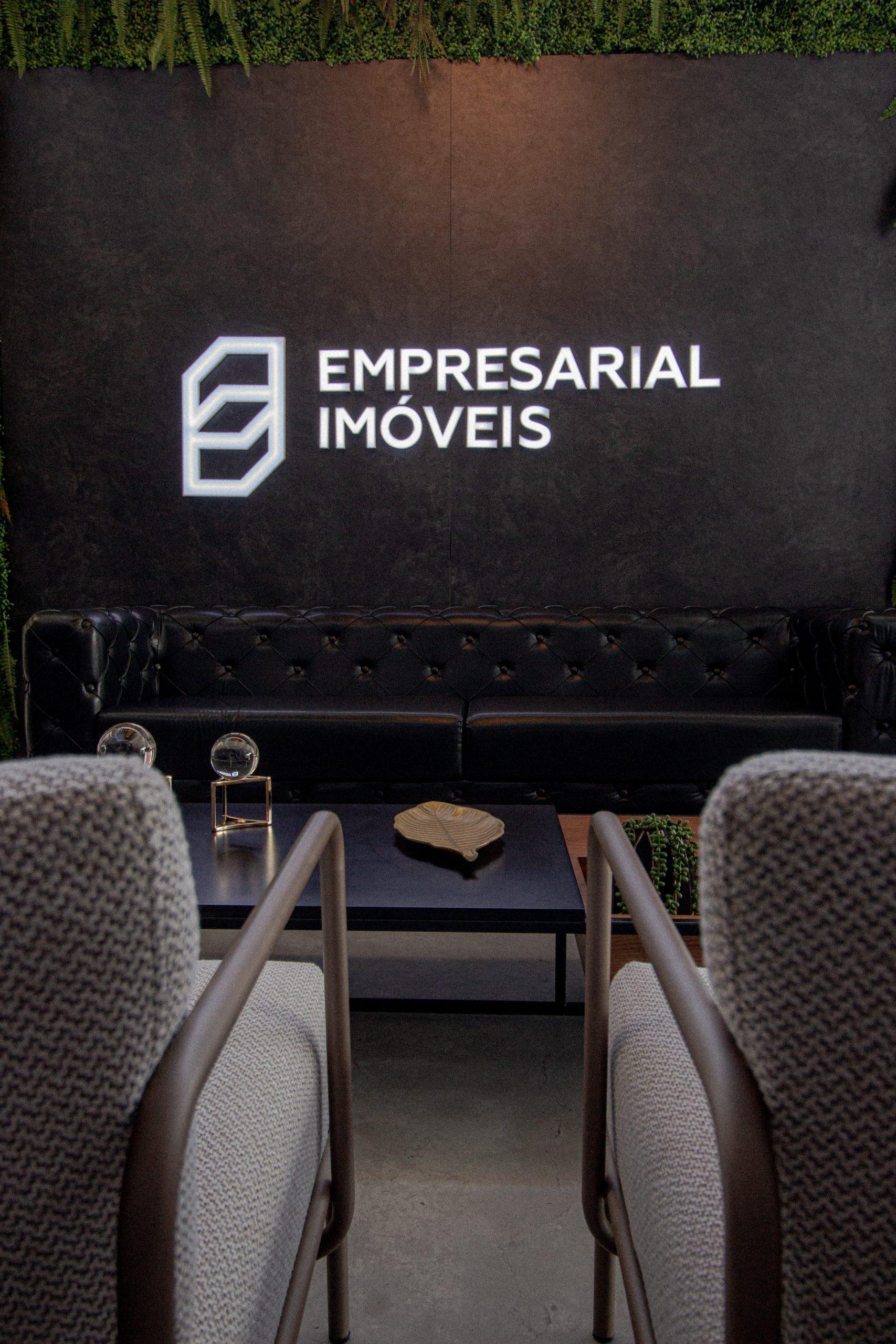 empresarial-logotipo-cadeiras